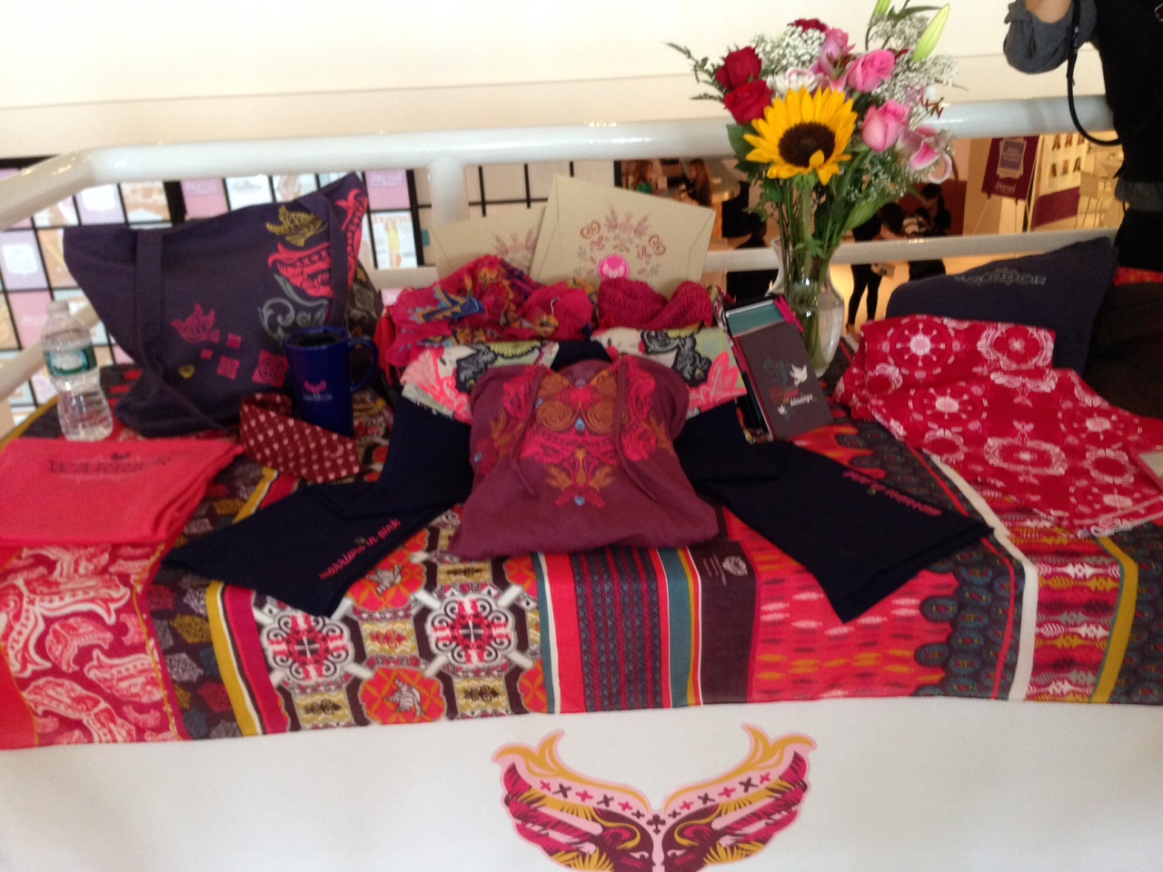 ford warriors in pink the fight against breast cancer. Black Bedroom Furniture Sets. Home Design Ideas